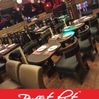 Buffet Hut: Interior